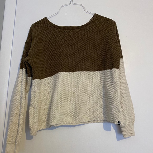 Volcom green and white color block sweater